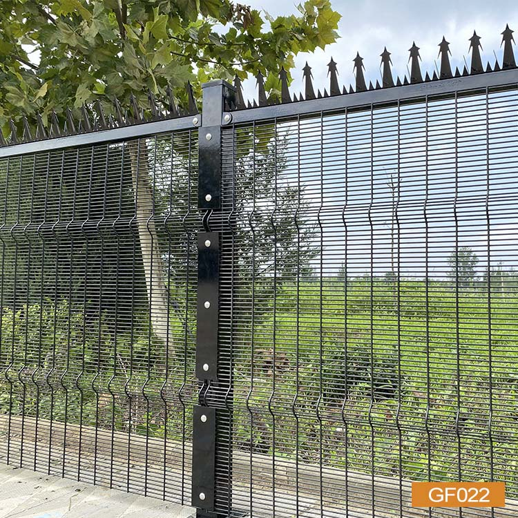 358 Fence With Buckle Plate